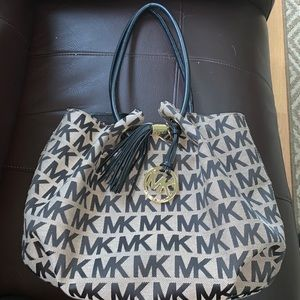 NWT Michael Kors Drawstring Tassel Purse / Bag